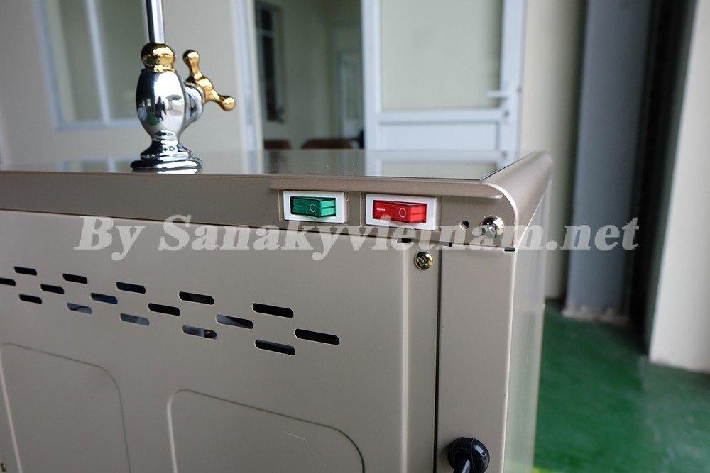 Công tắc nóng lạnh được thiết kế gọn gàng và an toàn