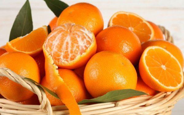 6 mẹo hay giúp khử mùi tủ lạnh hiệu quả vỏ cam quýt