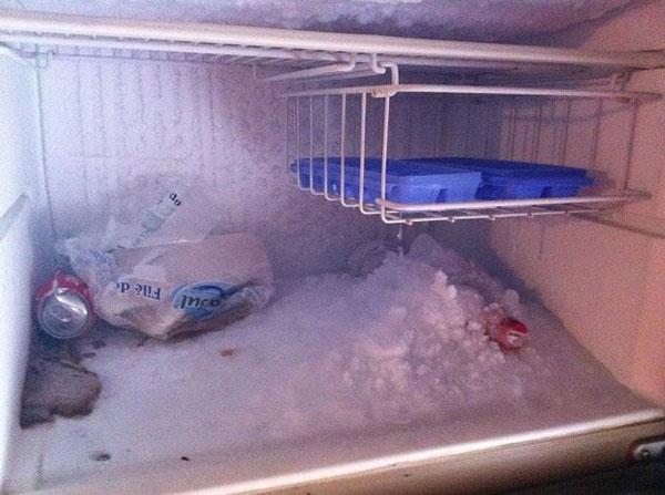 Tại sao cần rã đông tủ lạnh