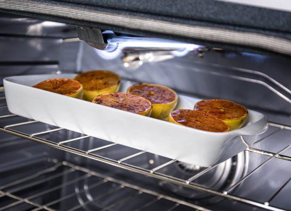 Những vật dụng nên và không nên cho vào lò nướng