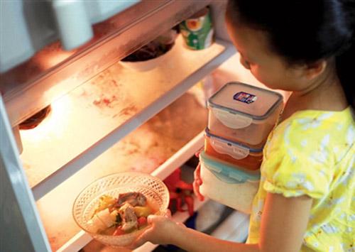 Tại sao nên cho thực phẩm nguội vào tủ lạnh
