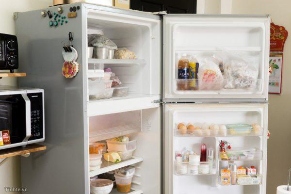 tủ lạnh bị đổ mồ hôi